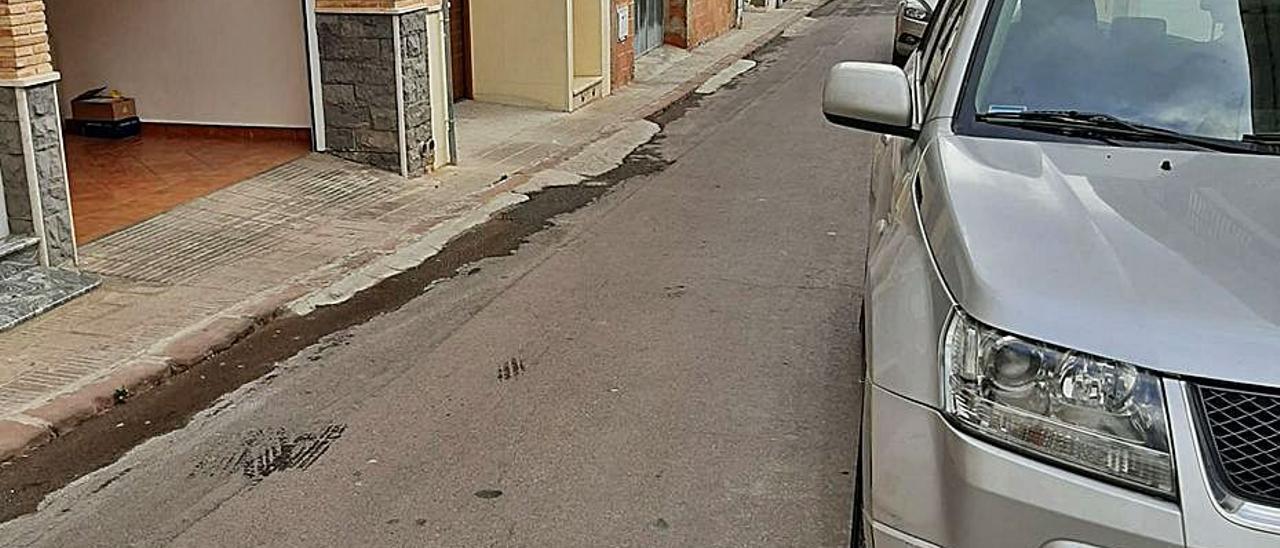 Una de las calles problemáticas en Benifairó.   LEVANTE-EMV