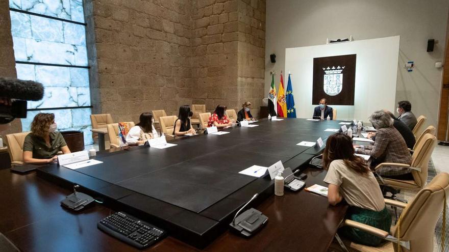 La Junta renovará la composición de la Comisión Jurídica de Extremadura