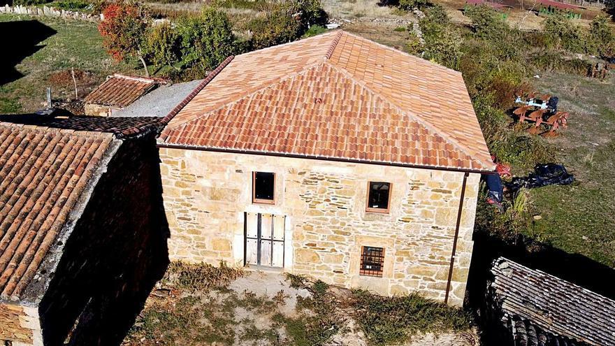 La Casa del Maestro de Ceadea acogerá el museo del autor de la Enciclopedia Álvarez