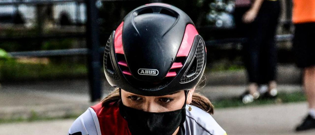 Una alumna de la Escuela de Ciclismo Triasport de Gandia