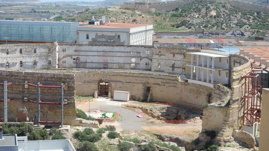 Indignación tras la comparación entre las ayudas a San Esteban y el Anfiteatro