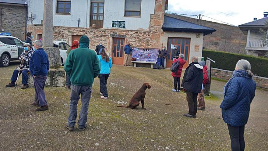 La plataforma contra la mina de Calabor inicia una recogida de firmas