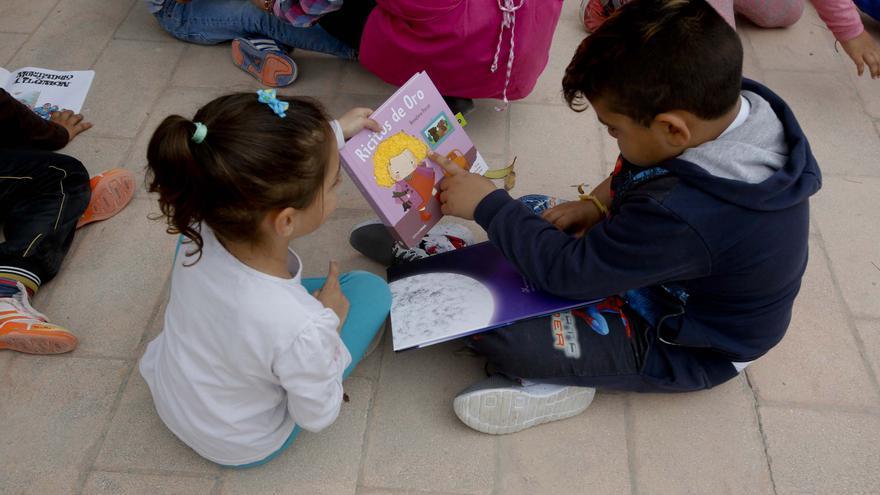 Crevillent pone en marcha un club de lectura infantil y la escuela municipal de pintura