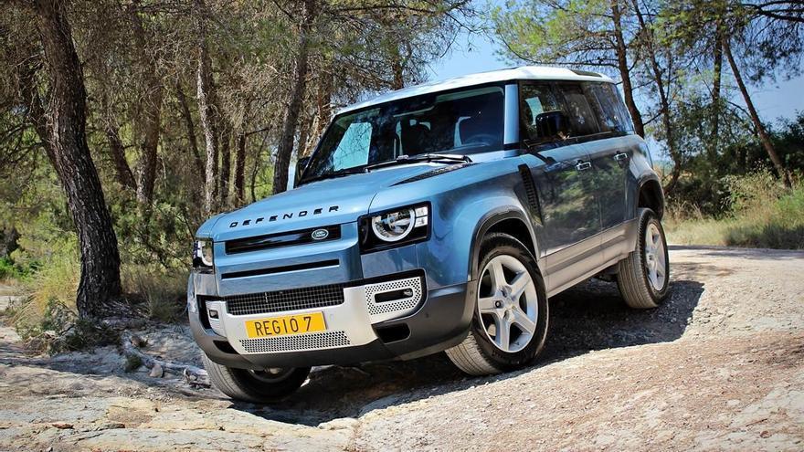 Land Rover Defender 2021, tan 4x4 com sempre
