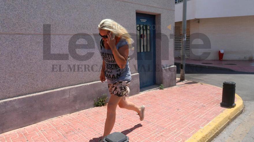 Libertad con cargos para la conductora ebria que atropelló a un ciclista en Guardamar
