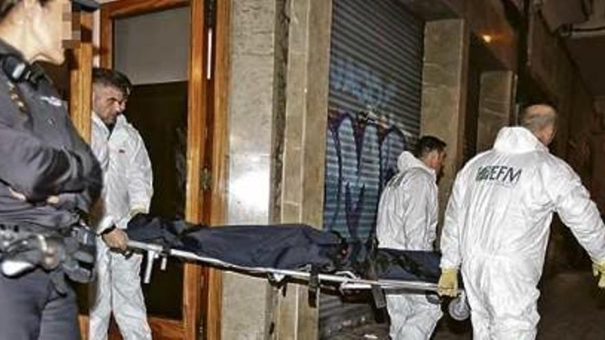 Una mujer mata a su hijo en Palma y se suicida al manipular un brasero