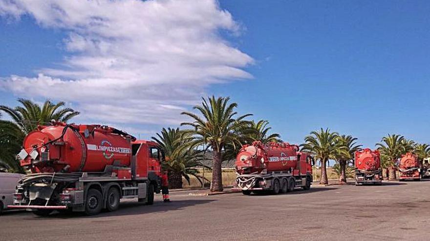 Denuncias colas de más de una hora para descargar aguas de fosas sépticas en la depuradora de Can Bassa de Ibiza