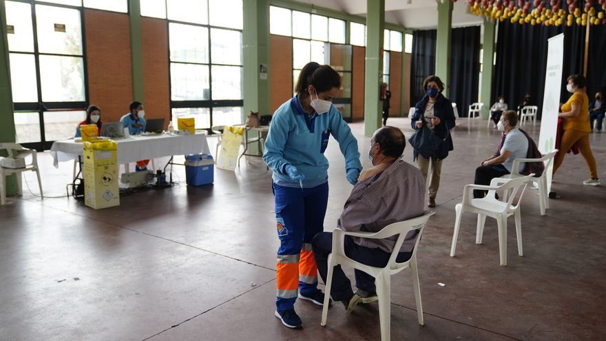 Pozoblanco vacuna a los maestros con más de 55 años