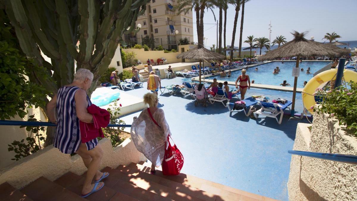 Turistas en un hotel de Benidorm.