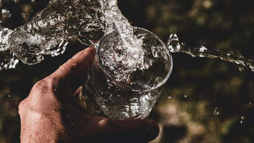 ¿Buscar agua en la Luna o aprovechar bien la que ya tenemos?