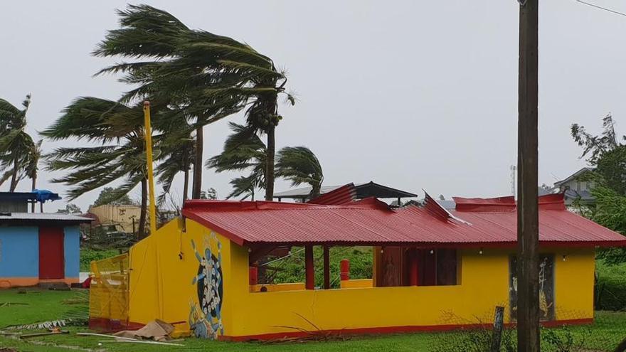 Al menos dos muertos tras el paso del ciclón 'Yasa' por Fiyi