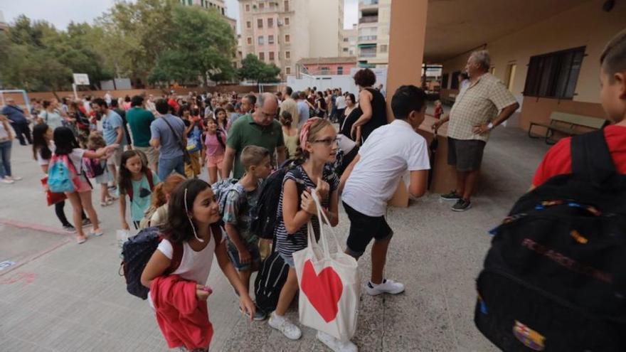 Bajan los contagios entre docentes y alumnado de los centros educativos de Balears