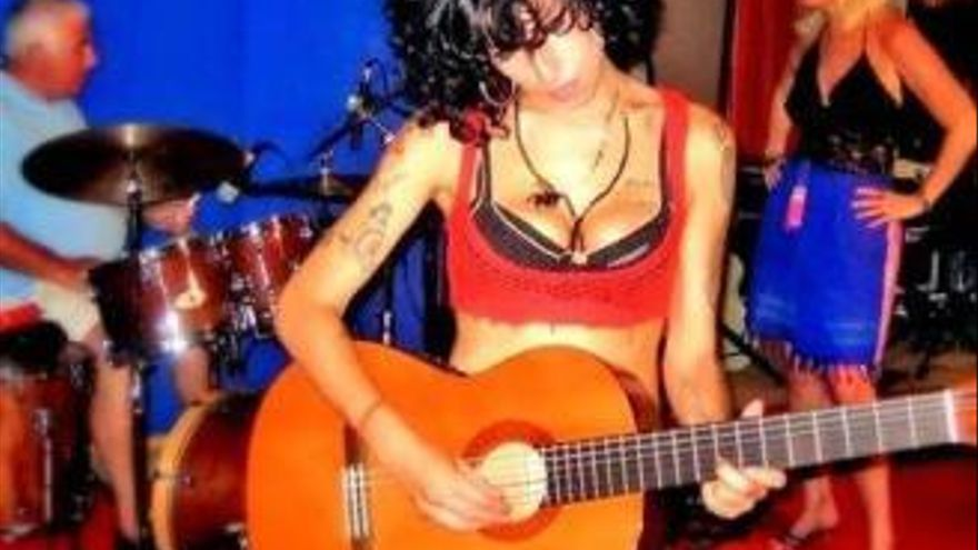 "La guitarra alicantina con la que Amy Winehouse compuso ""Back to Black"""