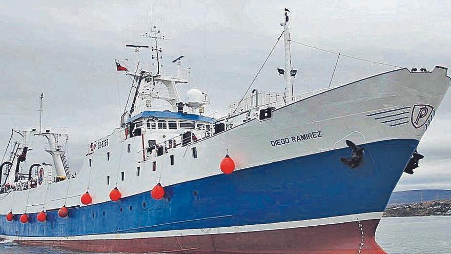 Pescanova desmantela en El Musel un pesquero desde el estrecho de Magallanes