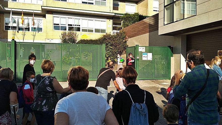 Móvete pide humanizar la calle Pérez Viondi para incrementar la seguridad de los escolares