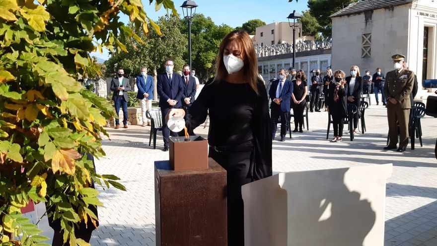 Palma homenajea a las víctimas de la Covid-19 en un emotivo acto en Son Valentí