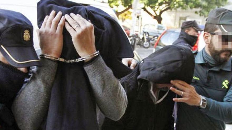 Dos policías nacionales, juzgados por robar casi 3 millones al Grupo Empresas Matutes en Ibiza