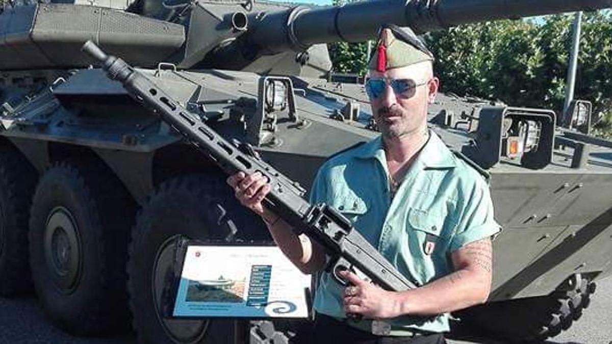 El acusado estuvo en la Legión y era un fanático de lo militar.
