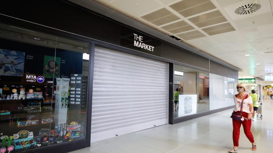 AENA cobra el alquiler completo de 2020 a las tiendas del aeropuerto de Ibiza