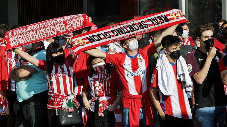 El Sporting supera los 16.000 abonados a dos semanas del inicio de la Liga
