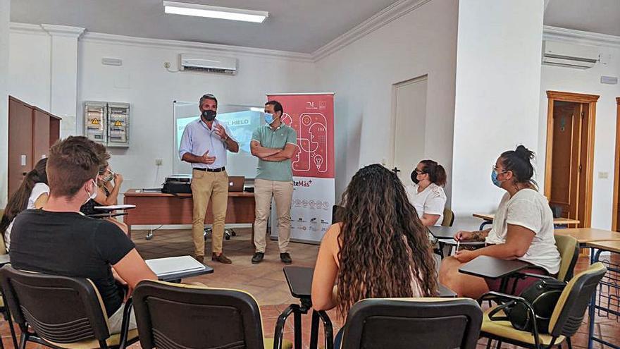 Cuevas Bajas inicia un curso para colectivos vulnerables
