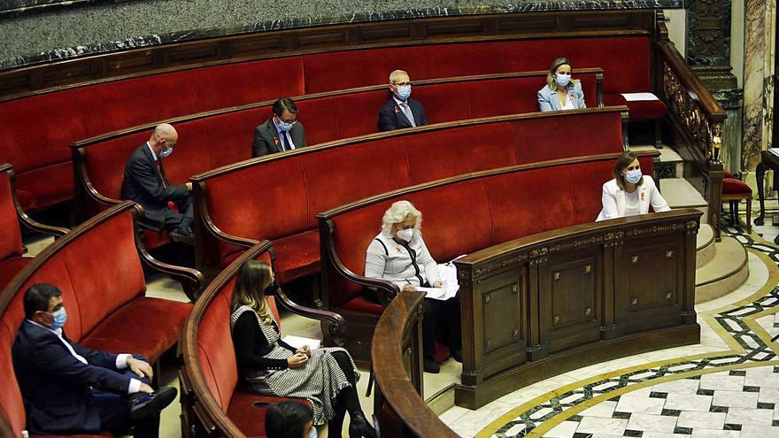 La oposición satura los servicios públicos con cientos de preguntas