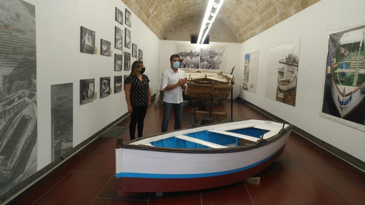 Bel Busquets y Albert Forés presentan la sede del Museo Marítimo de Mallorca, en Ses Voltes.