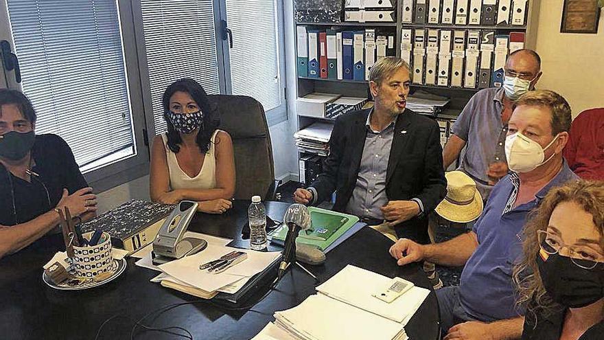 """Afiliados de Vox impugnan  por """"irregularidades"""" la victoria interna  de Jorge Campos"""