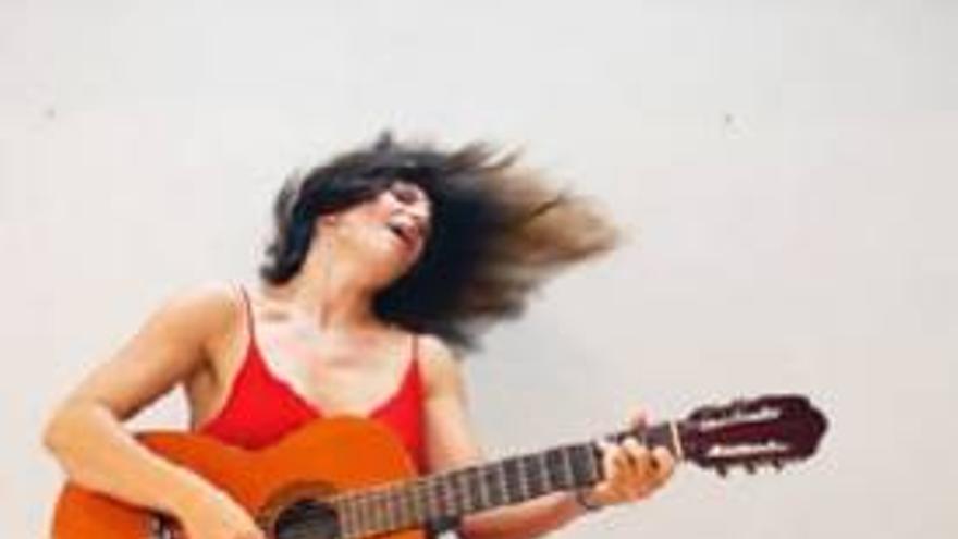 Conciertos Online 'Patios En-Cantados': Ana Label