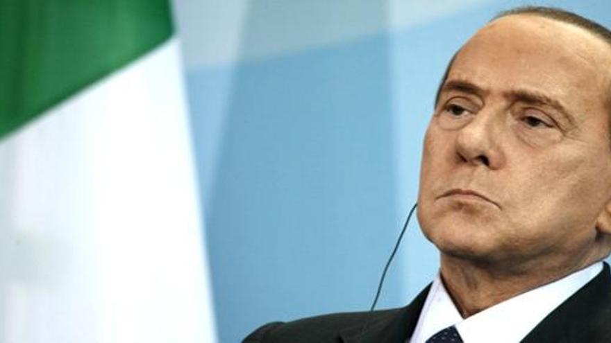 Italia da pasos para acabar con la inmunidad de Berlusconi