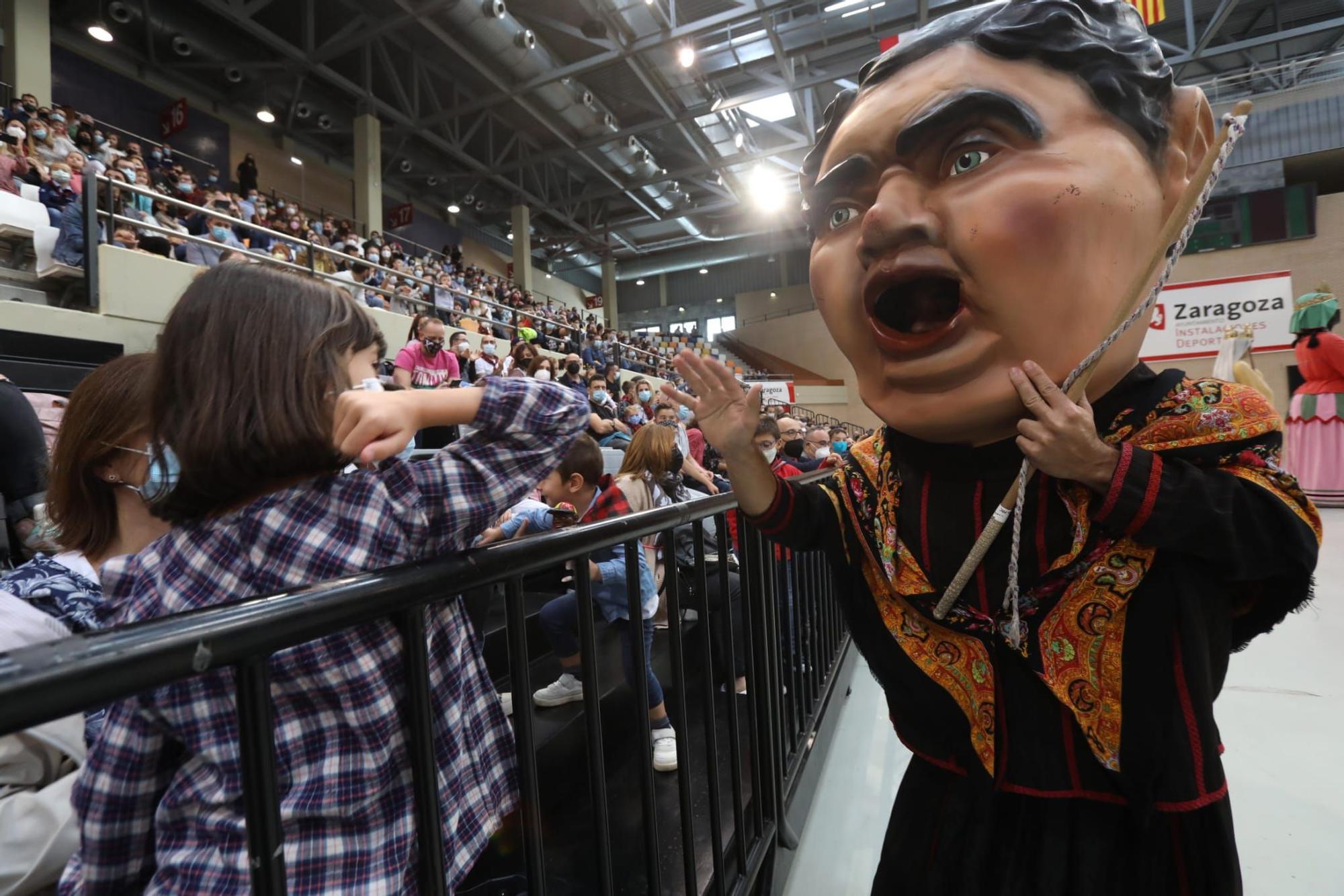 Los gigantes y cabezudos se reencuentran con su público