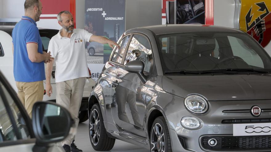 """El Gobierno prepara medidas de estímulo para la compra de coches de """"bajas emisiones"""""""