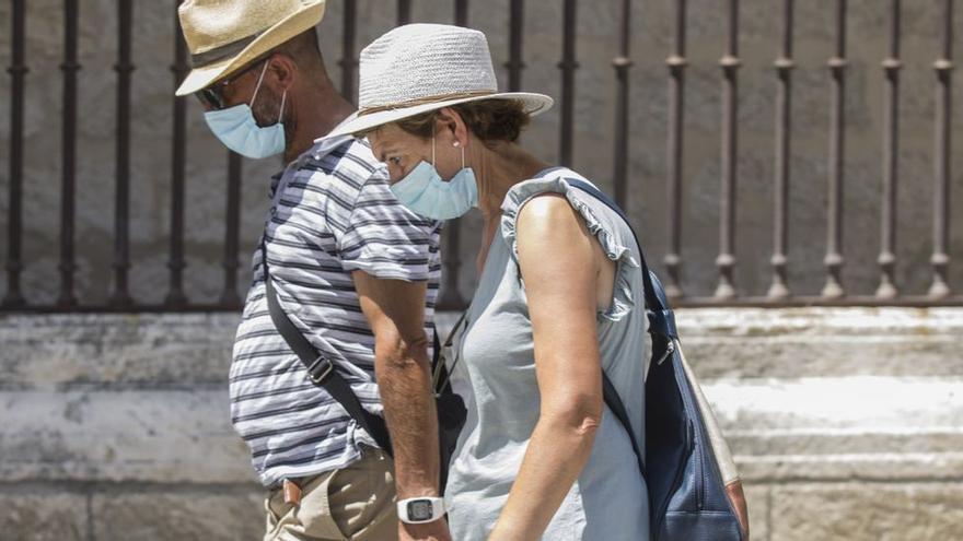Asturias, a punto de quitarse la mascarilla en la calle: estos son los lugares dónde sigue siendo boligatoria