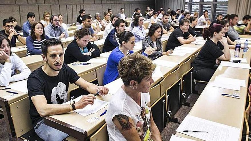 """Los docentes llegan agotados a la mayor oposición en pandemia: """"El curso fue durísimo"""""""