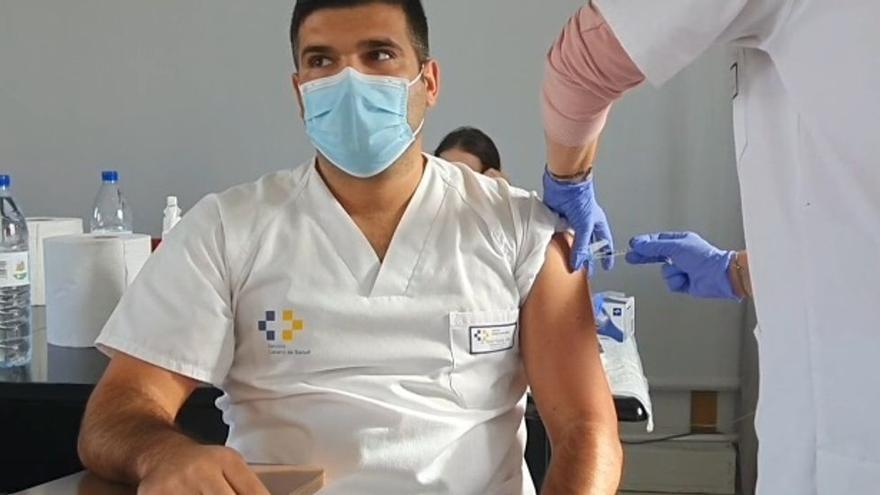 """Los sanitarios de Canarias lo tienen claro: Sin vacunas, el escenario sería """"apocalíptico"""""""