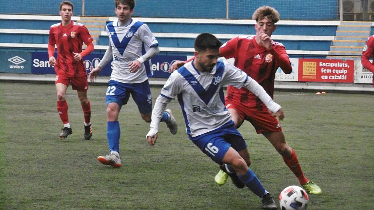 Pau López (16) va dotar d'equilibri el centre del camp local i va assistir amb encert David Jiménez