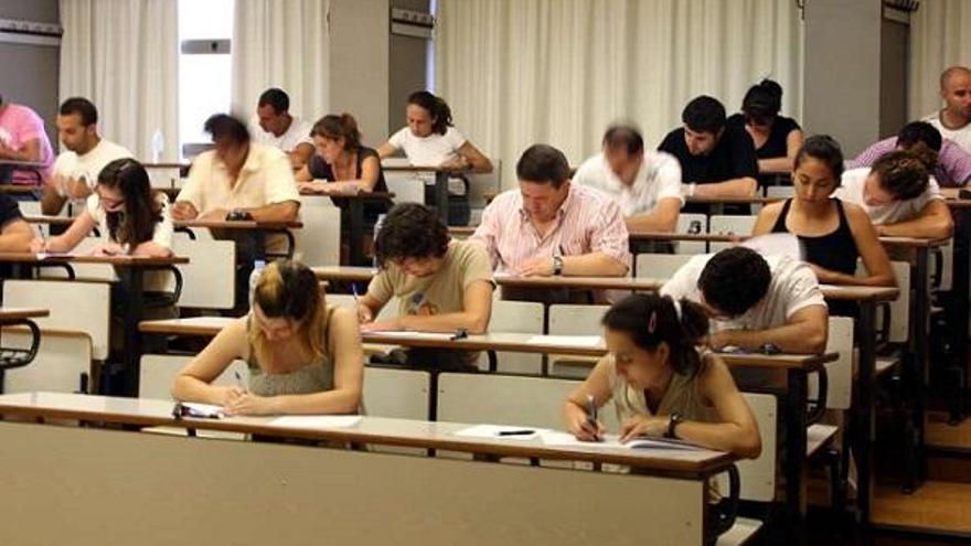 Retraso en el calendario de exámenes de las oposiciones del SMS