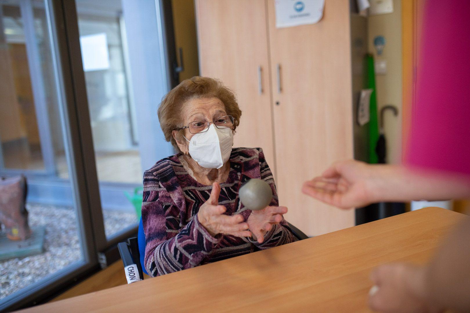 GALERÍA | La vuelta a la rutina en el centro de alzhéimer de Zamora