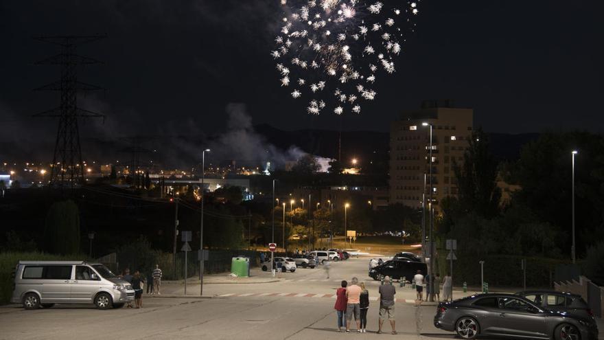 Vuit minuts de pólvora i seguits des dels balcons (amb vistes), així ha estat el castell de focs del 2020