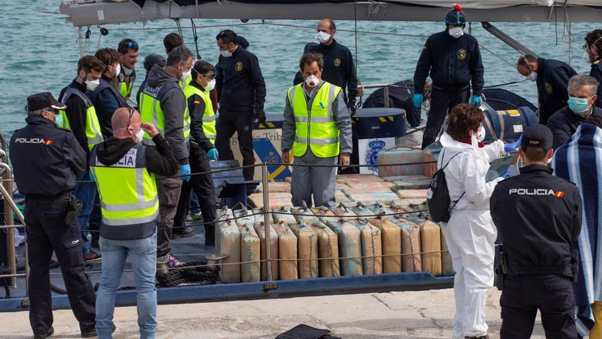 Nueve años y medio de cárcel para dos detenidos en Ibiza con 4.000 kilos de hachís
