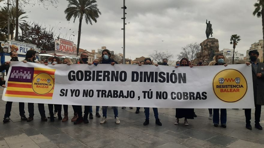 Alrededor de un centenar de personas participan en la manifestación de la Resistencia Balear