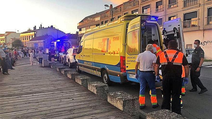 Rescatan con síntomas de ahogamiento en la playa de Aldán al exalcalde de Vigo Ventura Pérez Mariño