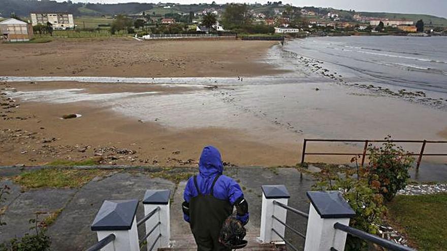 La Comisión Europea investigará los vertidos en la playa de Bañugues
