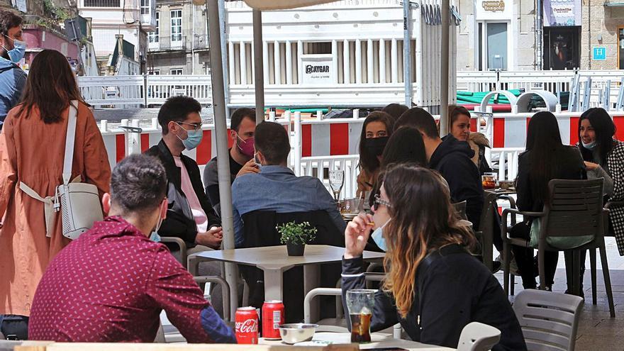 Los últimos cribados deciden si bajan las restricciones en Vigo