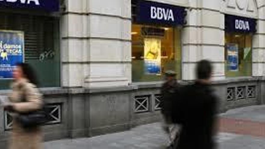 La banca cerró 54 oficinas en Canarias en 2019, más de un 6% de la red