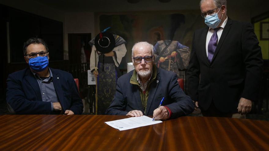 Esteban Afonso deja la presidencia del Orfeón La Paz 33 años después