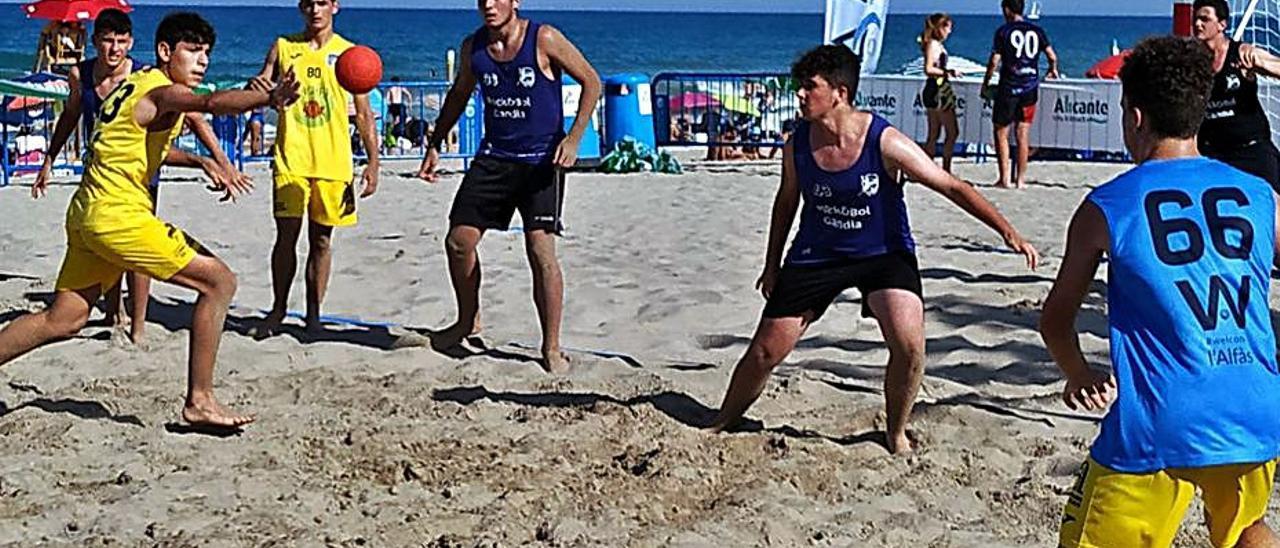 Imagen de un partido de un equipo del BMG en Sant Joan | PAU BONET