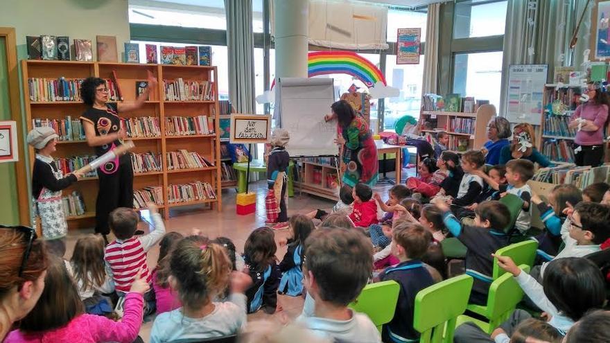 La Biblioteca Pública de Monóvar, premiada por su fomento de la lectura