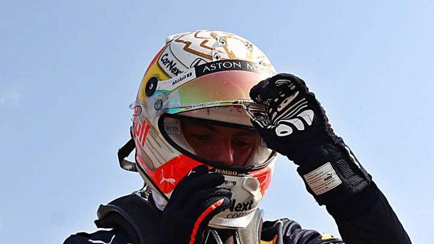 Verstappen doma els Mercedes i Sainz queda fora dels punts a Silverstone