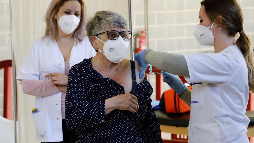 España se protege de la variante india de un virus al alza en varias regiones